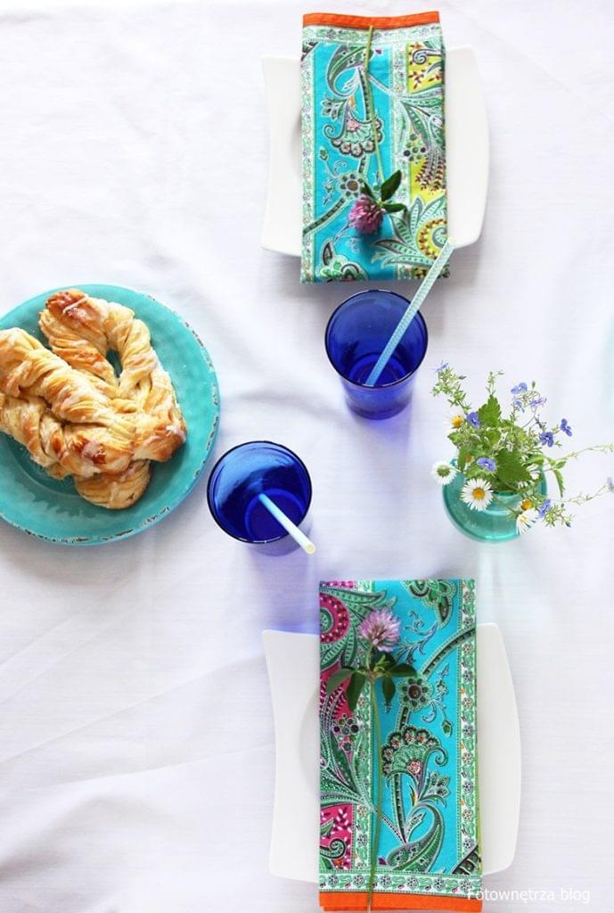 wiosenna aranżacja stołu